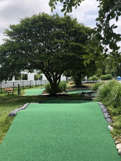 Laurel Golf and Recreation Mini Golf